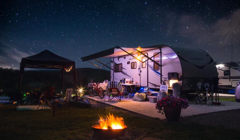Pavillon und Camper